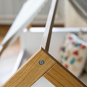 Lit cabane-montessori barrière simple KASVA hêtre massif laqué blanc-placage chêne huilé