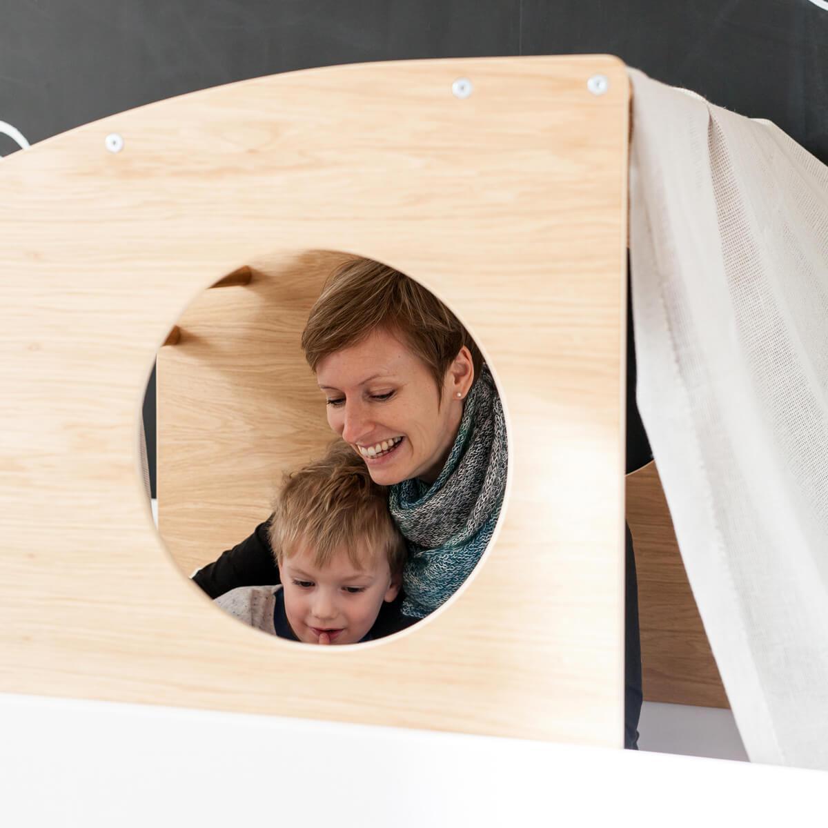 Lit mezzanine-cabine coulissante haut KASVA hêtre massif laqué blanc-placage chêne huilé