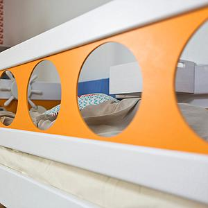Lit surélevé Pirat DELUXE de Breuyn blanc-orange