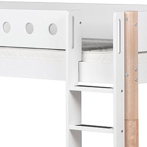 WHITE by Flexa Lit Classic mi-hauteur en MDF 90x200 cm avec échelle droite, toboggan, barrière de sécurité blanc et pieds bouleau