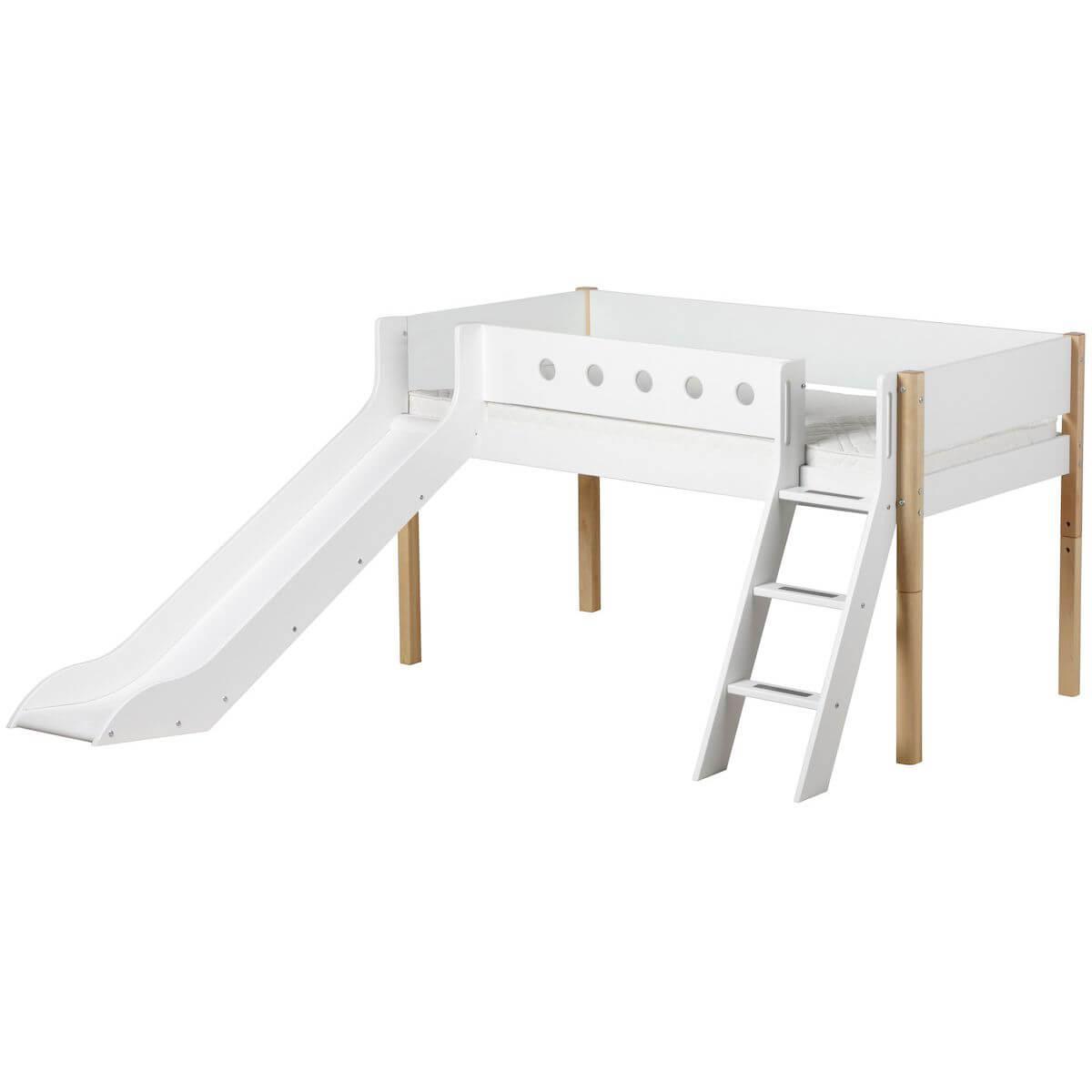 WHITE by Flexa Lit Classic mi-hauteur en MDF 90x200 cm avec échelle inclinée, toboggan, barrière de sécurité blanc et pieds bouleau